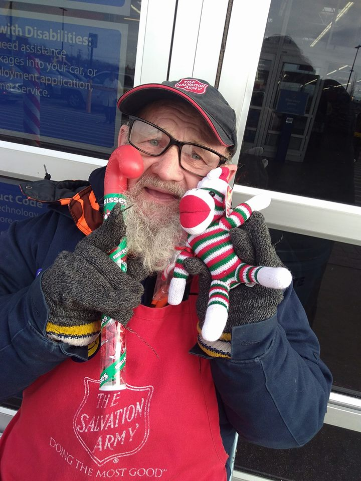 Lockport S Own Bell Ringing Santa Comes To The Rescue For